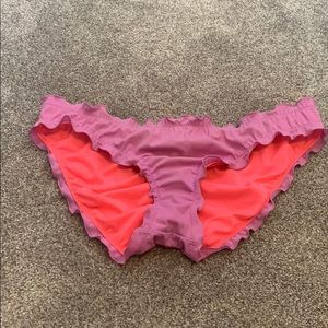 Like new purple swim bottoms cinched butt